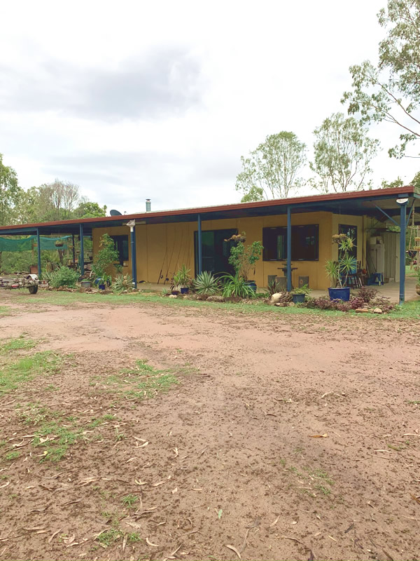 Exterior Hideaway Cabin 2
